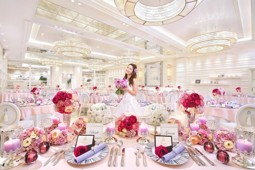 大人数の結婚式だからこその素敵な演出もご提案♪<br /> ご親族も、ご友人も、会社関係の方も!<br /> 沢山のゲストを招いて華やかで上質なウエディングを実現