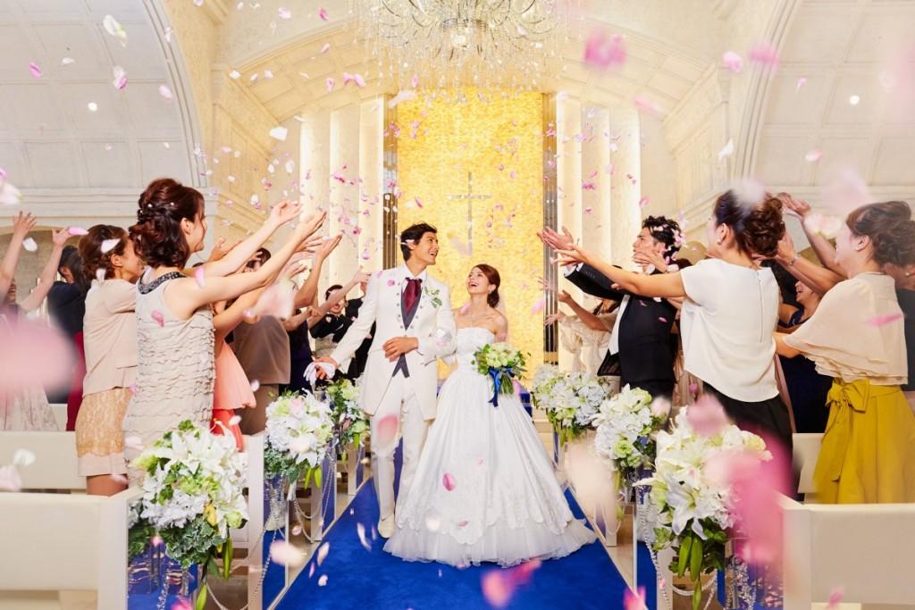 2019年4月末日迄の結婚式がとってもお得☆<br /> 充実した内容でお得に結婚式を挙げたいおふたりにピッタリ♪<br /> お日にちの空き状況には限りがございますのでご了承くださいませ